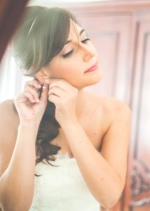 Bride hairstyle and makeup
